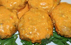 Котлеты в сметанно-томатном соусе