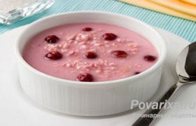 Вишневый суп с «ракушками»